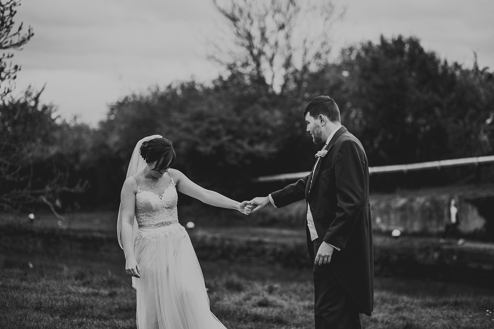 grace-josh-wedding-blisworth-the walnut-tree-inn-413