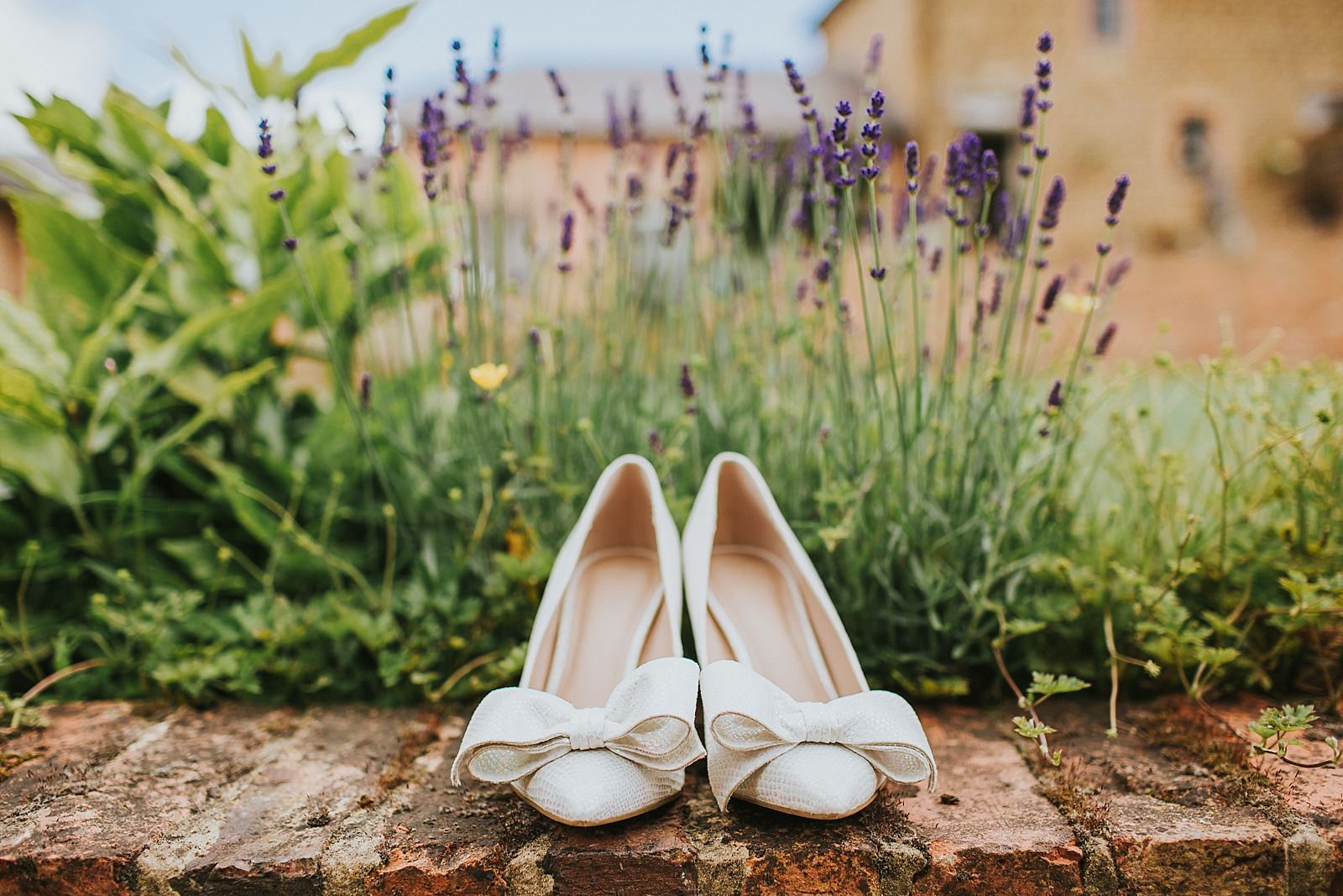 granary-at-fawsly-wedding-paula-stephen-006