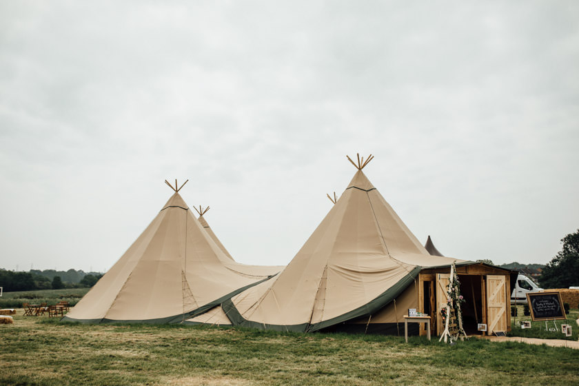 kirsty-michael-pytchley-tipi-wedding-318