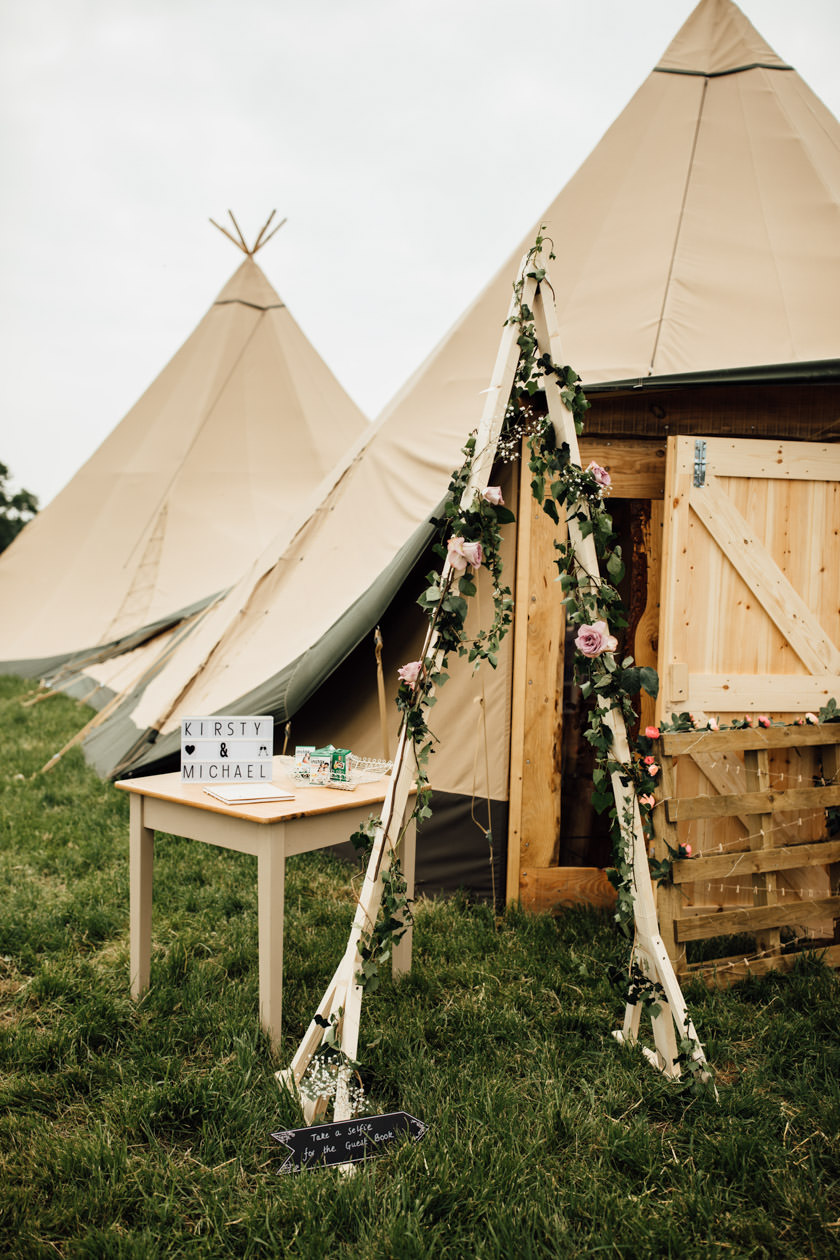 kirsty-michael-pytchley-tipi-wedding-373