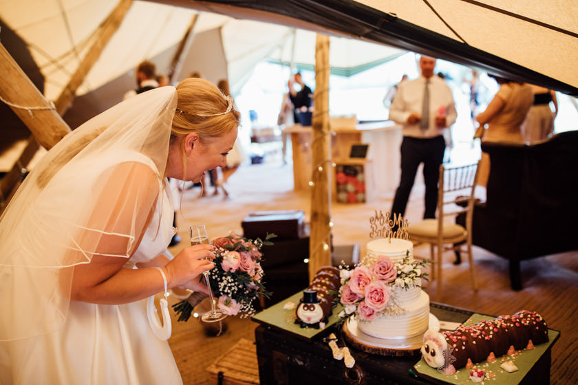 kirsty-michael-pytchley-tipi-wedding-408