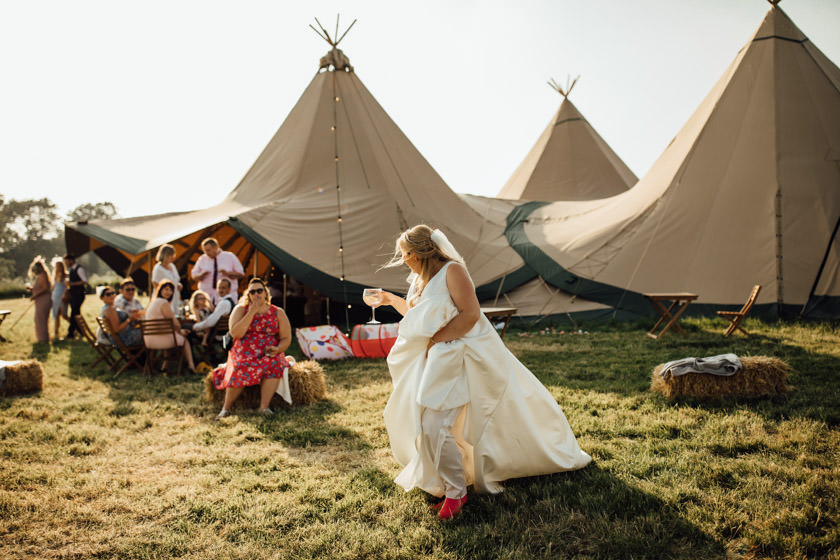 kirsty-michael-pytchley-tipi-wedding-609