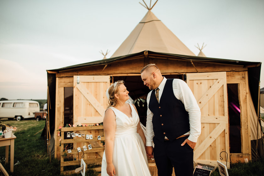 kirsty-michael-pytchley-tipi-wedding-759
