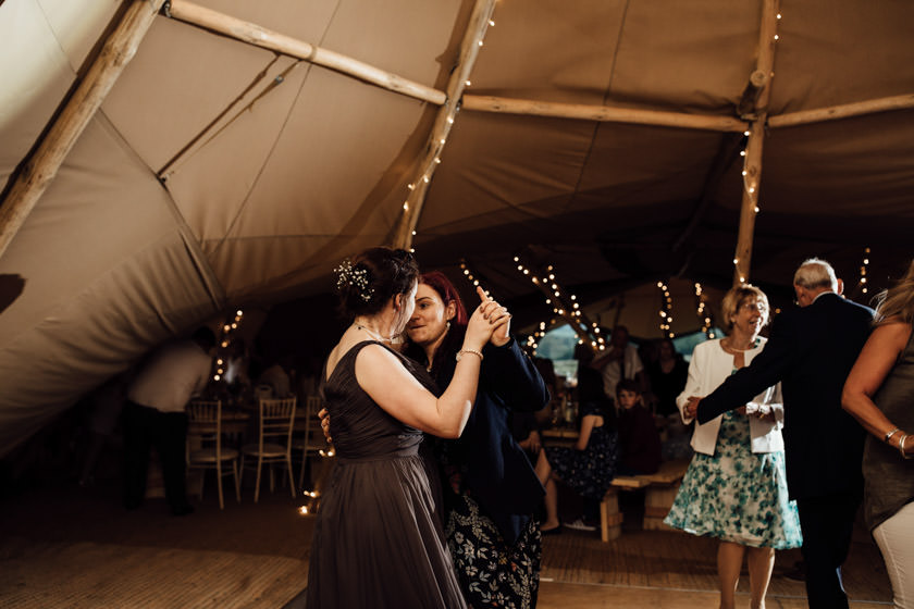 kirsty-michael-pytchley-tipi-wedding-791