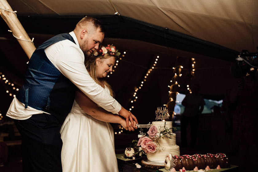 kirsty-michael-pytchley-tipi-wedding-814